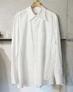 Broad stand collar shirt